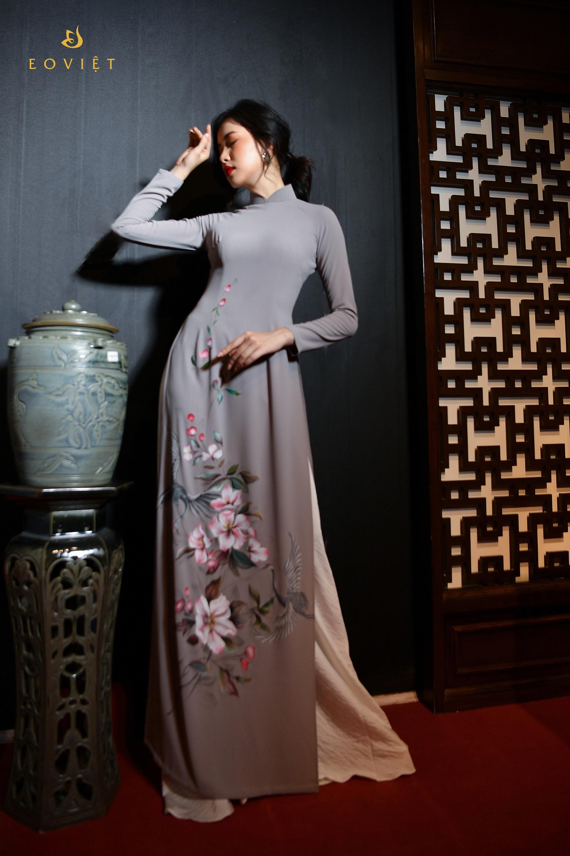 Áo dài họa tiết Hoa lan vẽ cọ sơn mài AD118
